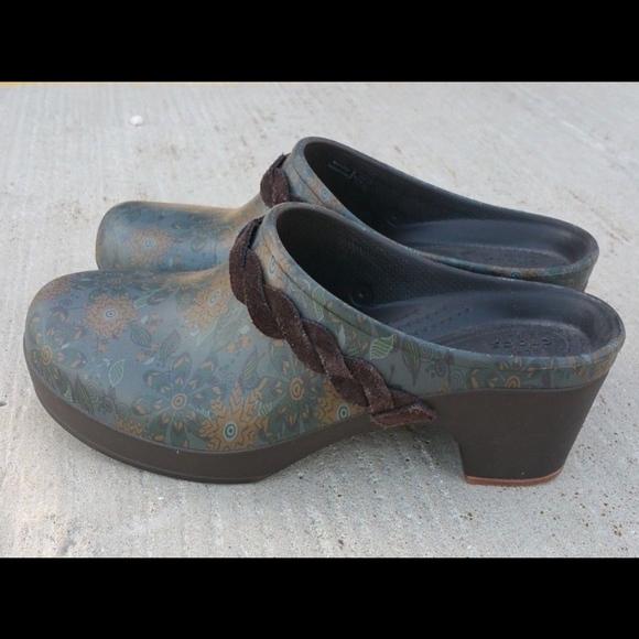 0d4bc5fb5a86 CROCS Shoes - Crocs Clog Mule Slip On Heel Floral Green Sz 7